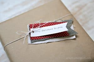 fabric_tag_gift_wrapping_upclose-600x400