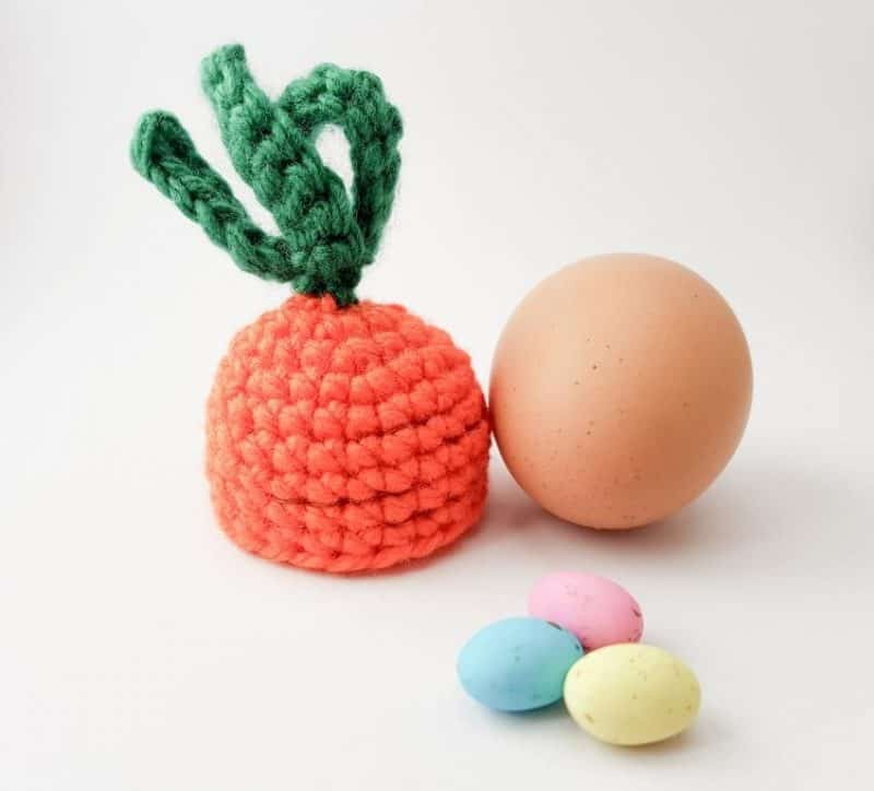 Carrot top egg cosy crochet pattern