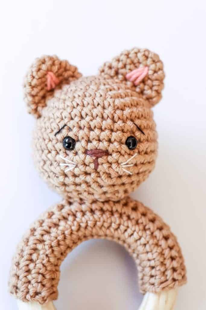 Crochet kitten rattle