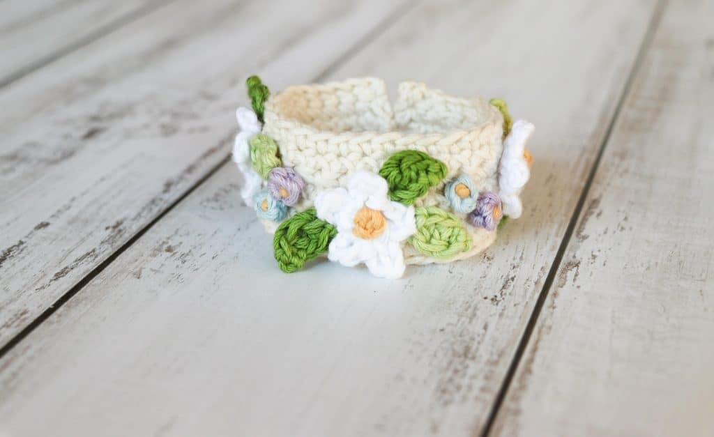 Boho summer flower crochet bracelet