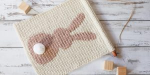 rabbit wall hanging crochet pattern