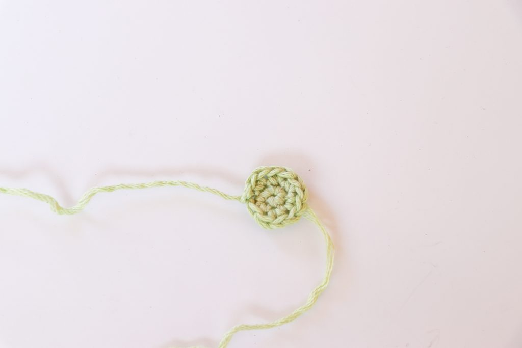 Crochet flower, green crochet circle