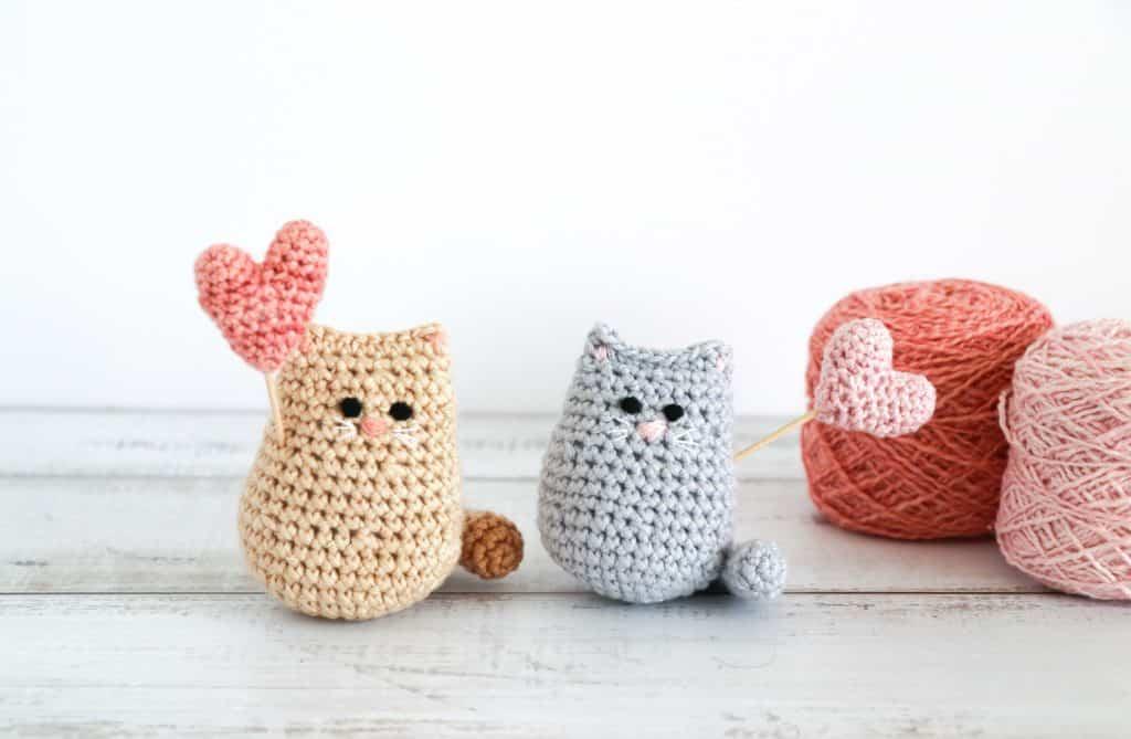 Miraculous Crochet Amigurumi of Ladybug and Cat Noir – So Good ... | 669x1024