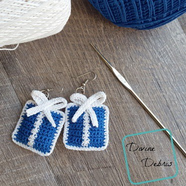 crochet gift box earrings