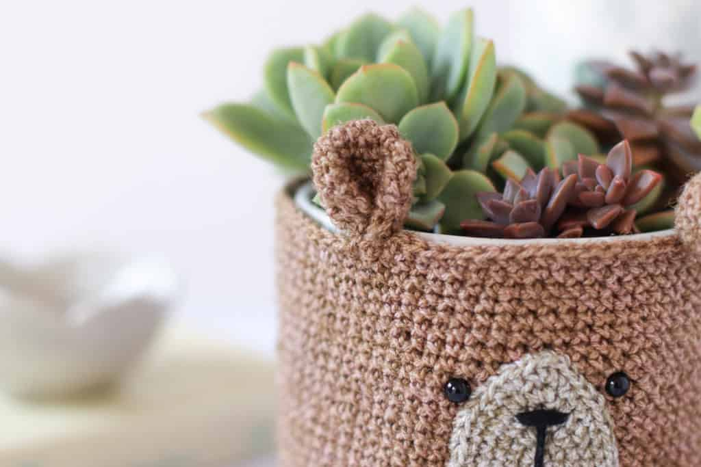 brown crochet bear pot holder