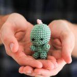 Tiny dinosaur crochet pattern